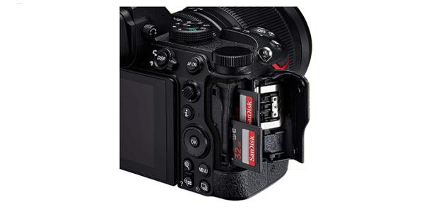Port dan Penyimpanan Nikon Z5